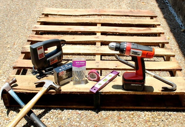 how-to-deconstruct-a-pallet