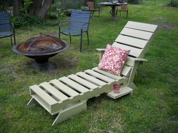 Simple Yet Ravishing Outdoor Pallet Furniture | Pallet Furniture DIY