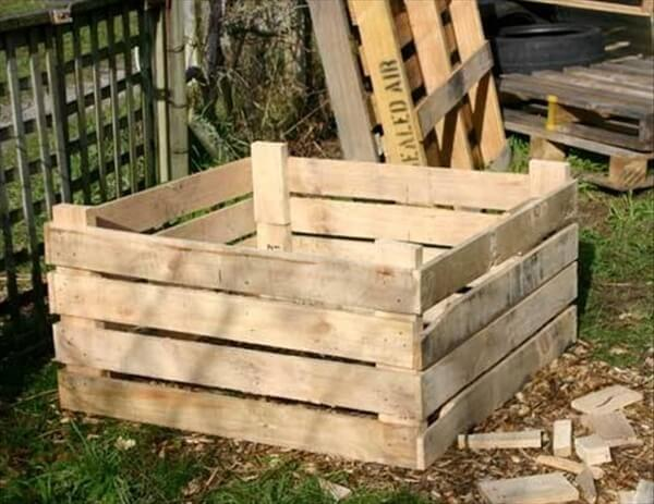 How to Build a Compost Bin out of Wooden Pallets | Pallet Furniture ...