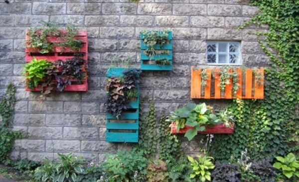 pallet-vertical-garden-8