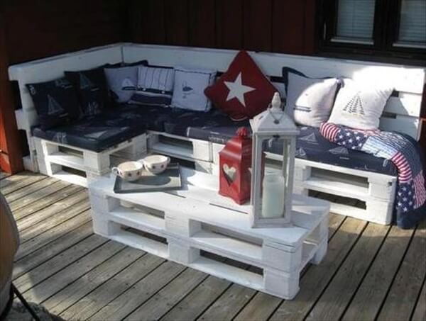 Beautiful Pallet Sofa And Table