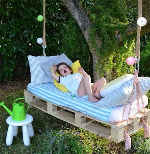 Pallet swing bed diy