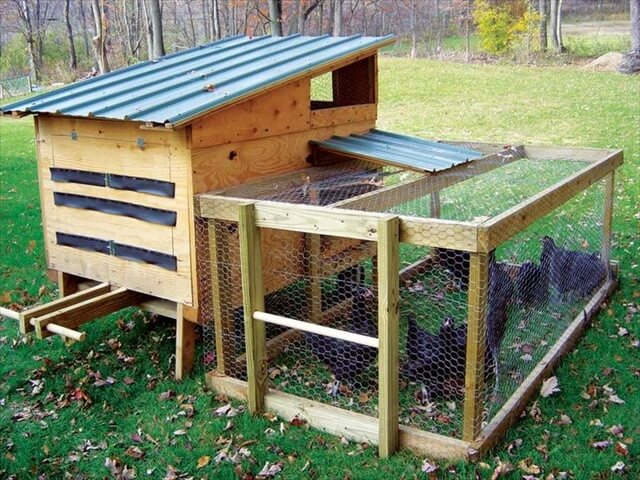 pallet chicken coop out of recycled pallets pallet