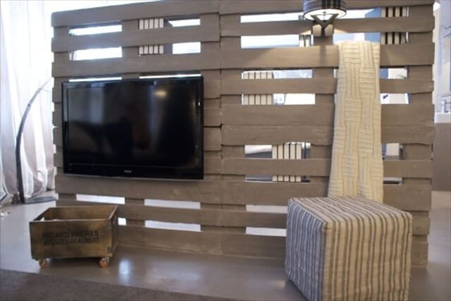 Pallet Room Divider Provides Solitude While Working