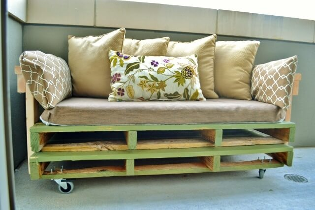 Amazing Benefits And Plans Of Pallet Sofa