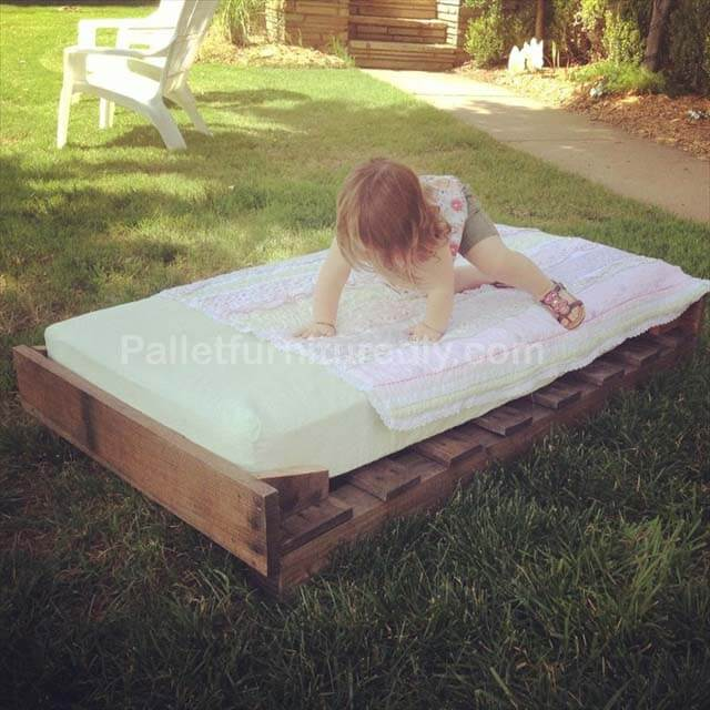 Comfortable Toddler Pallet Bed