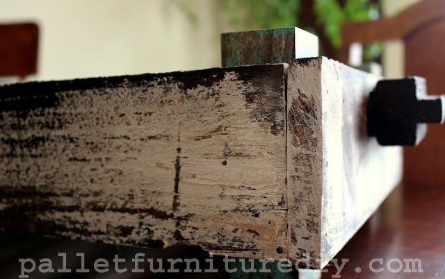 DIY Pallet Storage Tray