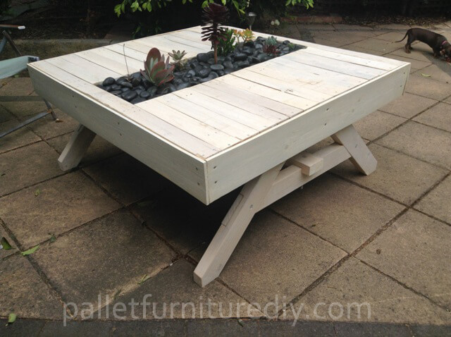 Pallet Outdoor Planter Table