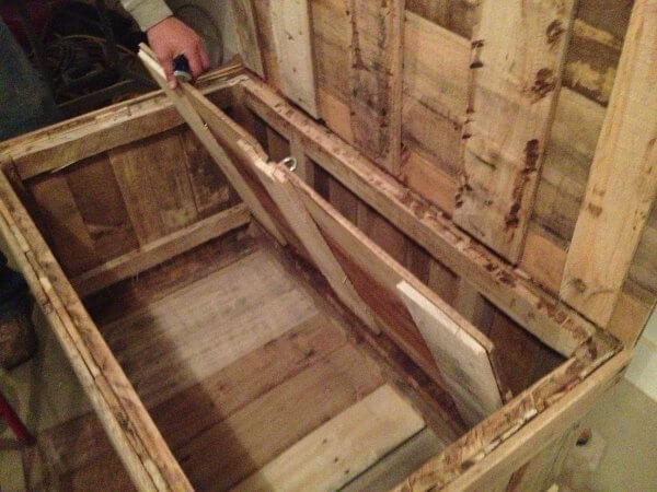 hidden compartment diy pallet wood chest pallet