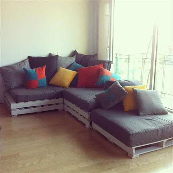 Make a Couch From Pallets