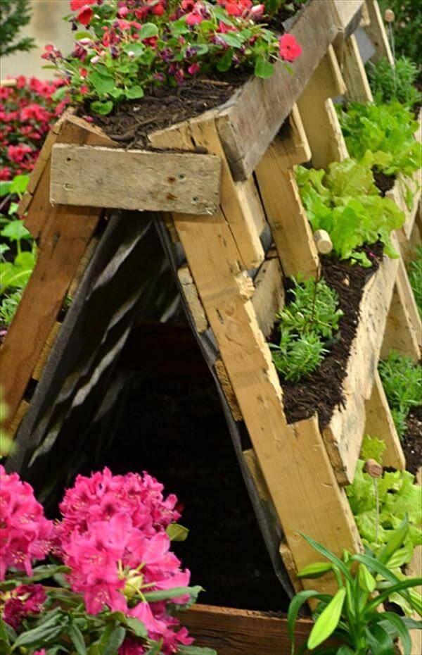 artistic pallet wood planter