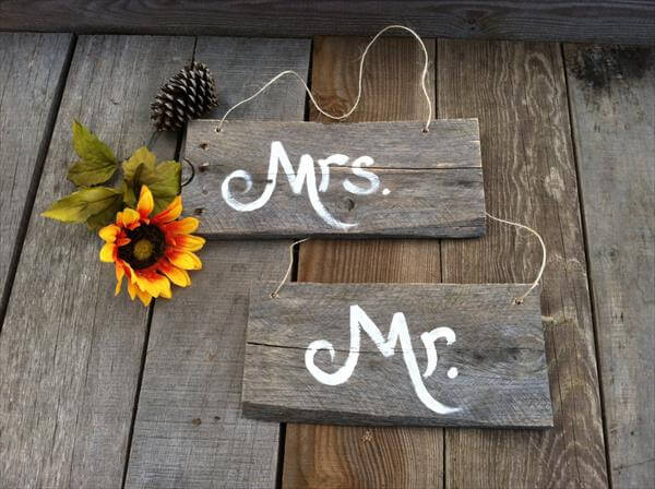 Pallet Mr and Mrs Signs Art