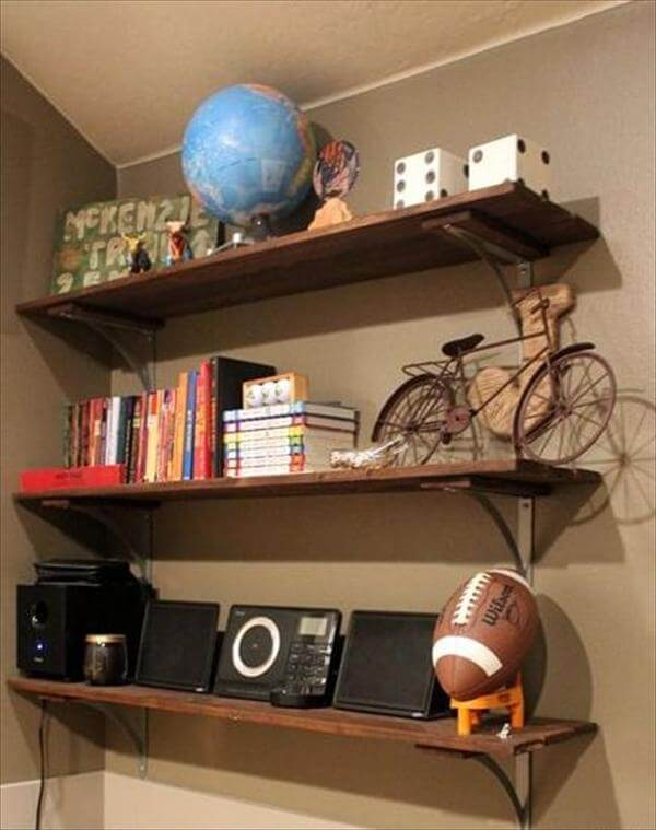 recycled pallet room wall shelf