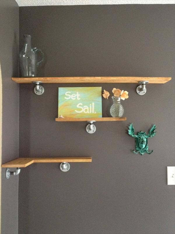 diy wall shelf out of pallets