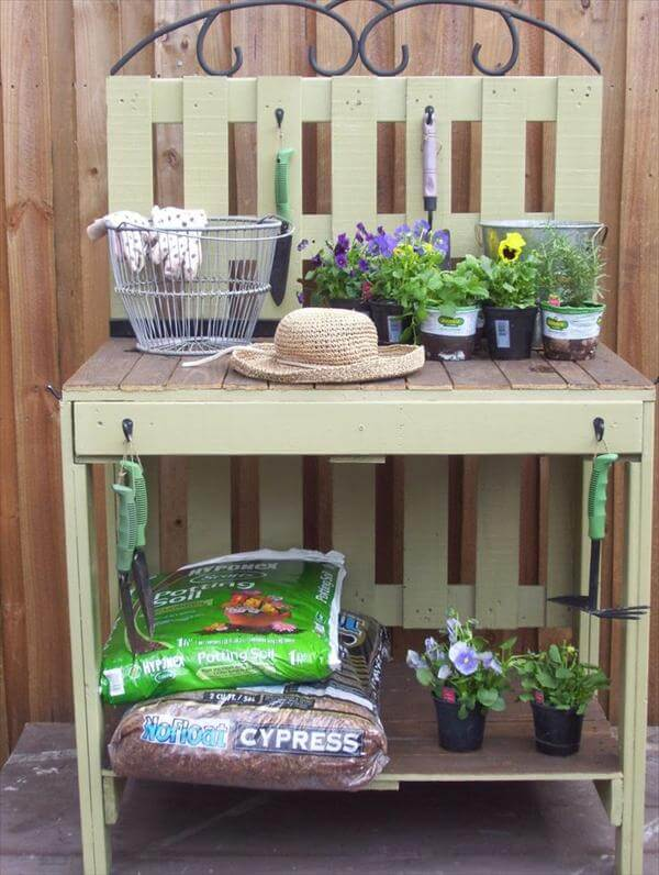 upcycled pallet potting table