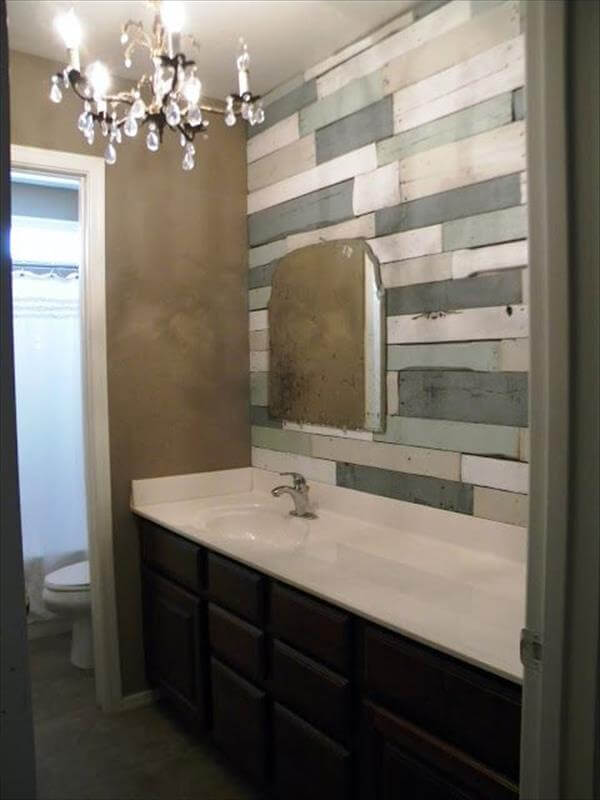 Wood Pallet Wall for bathroom
