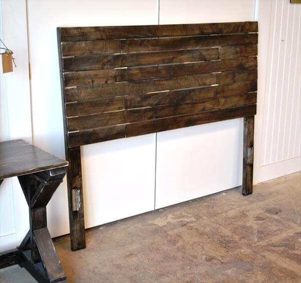 Diy pallet bed headboard pallet furniture diy for How to make a wood pallet headboard