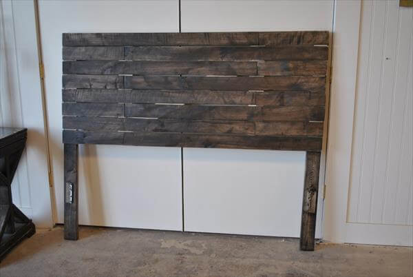 Diy pallet bed headboard pallet furniture diy for How to make a headboard out of pallets