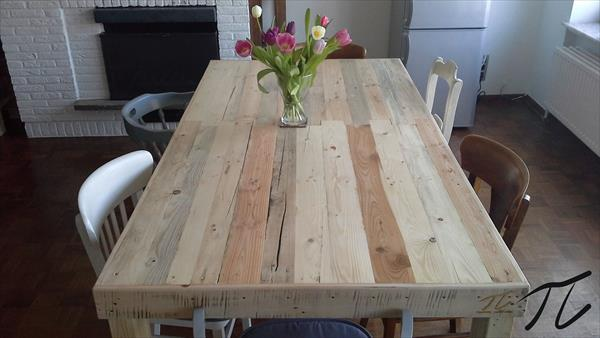 upcycled pallet dining table