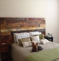 headboard out of recycled pallet