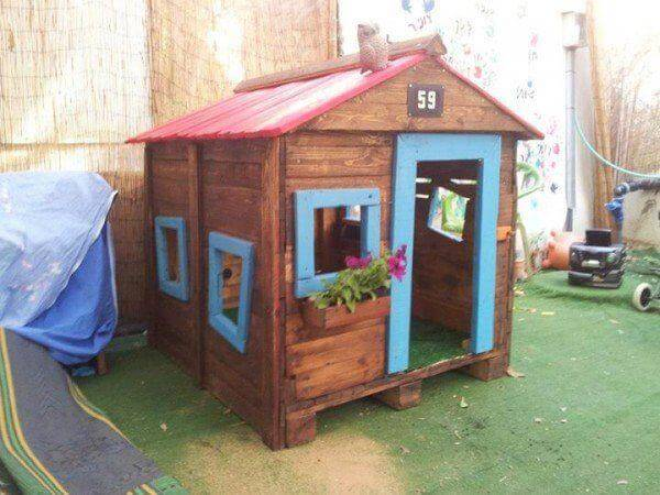 30 DIY Furniture Made From Wooden Pallets Pallet Playhouse Plans With Stairs To Build Up on