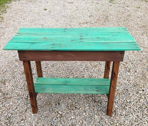 recycled pallet potting table