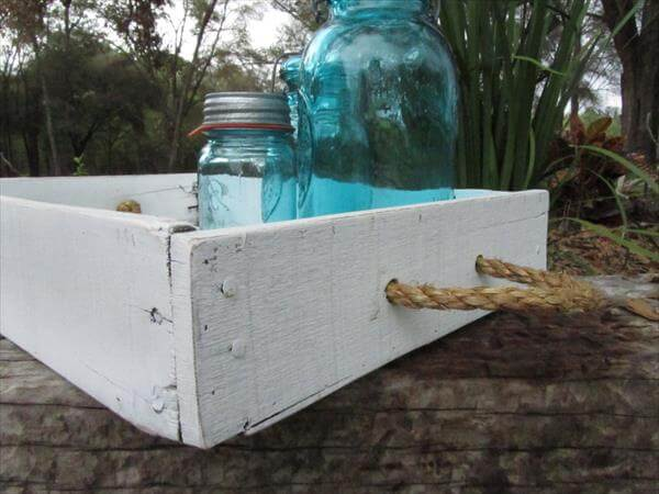 reclaimed pallet tray