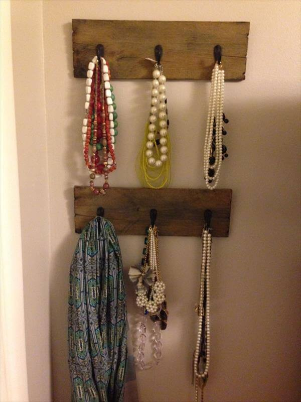 recycled pallet wall hanger