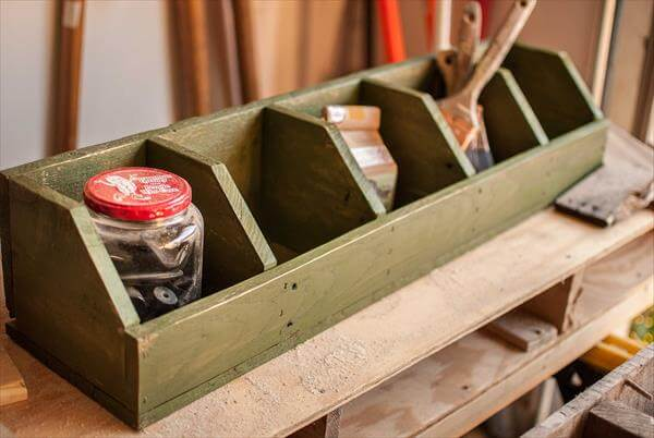 recycled pallet cubby