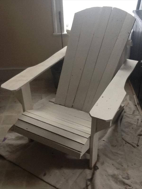 upcycled pallet chair