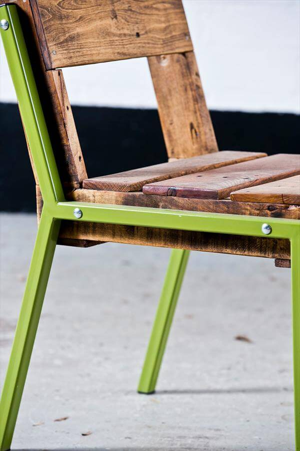 DIY Pallet Chair With Steel Legs Furniture