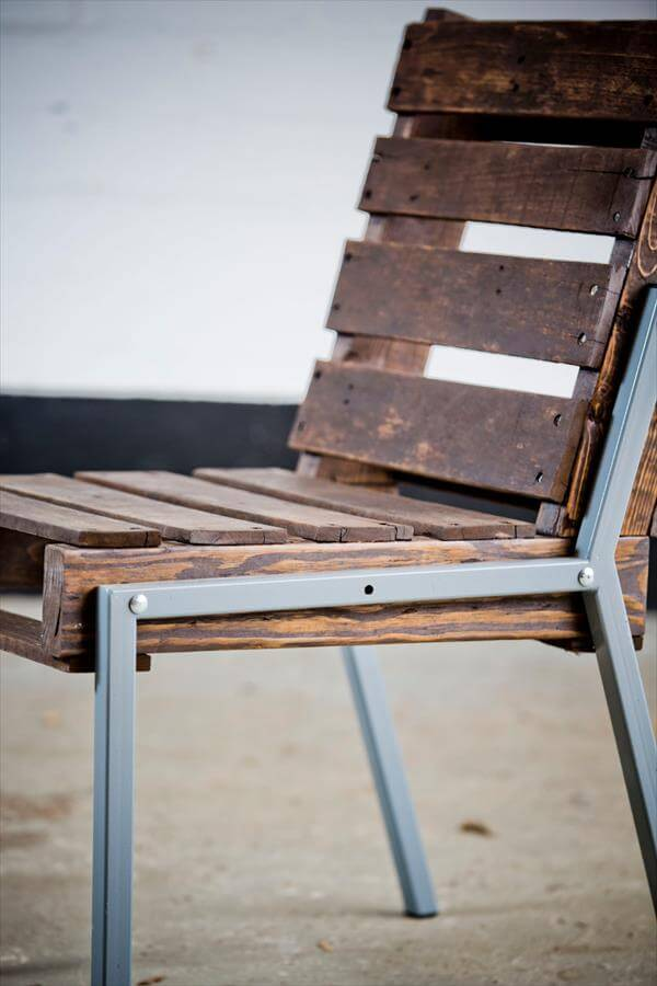 upcycled pallet chair with metallic legs