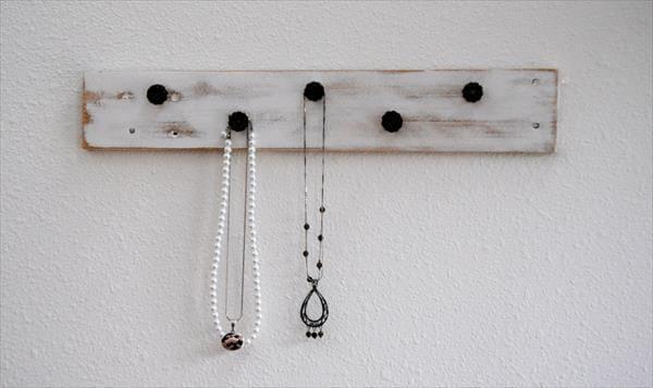reestablished pallet jewelry rack
