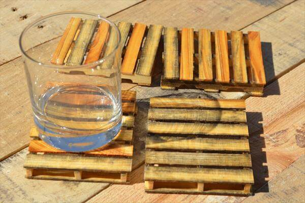 recycled wood mini pallets