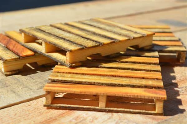 DIY Mini Pallet Coasters | Pallet Furniture DIY