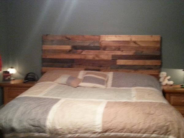 Diy reclaimed pallet headboard pallet furniture diy for How to make a wood pallet headboard
