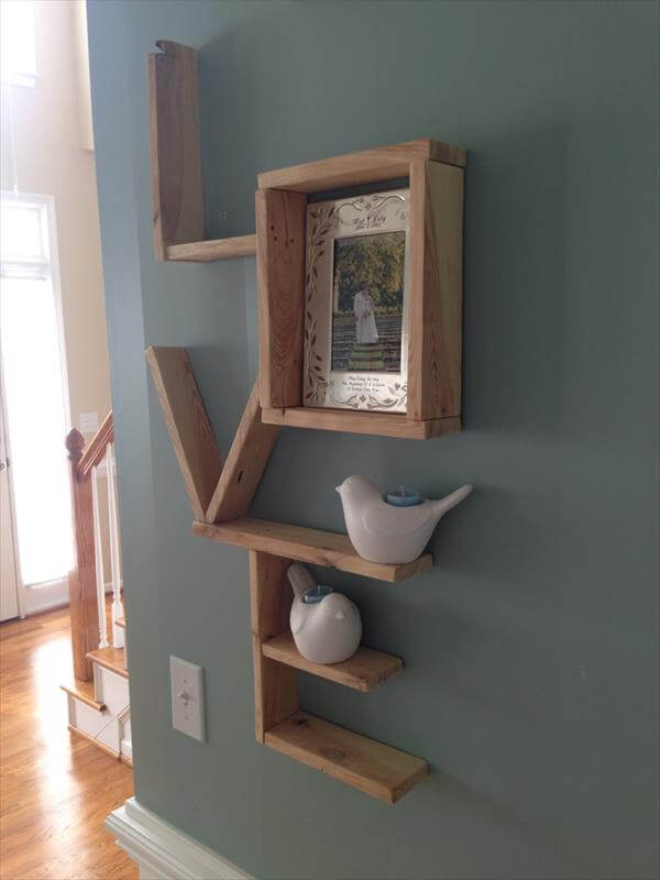 recycled pallet love shelf