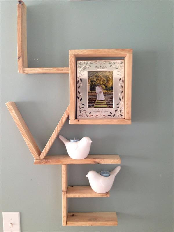 reclaimed pallet love shelving scheme