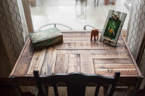 DIY Industrial Pallet Desk with Side Drawers | Pallet Furniture DIY