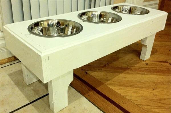recycled pallet dog feeding stand