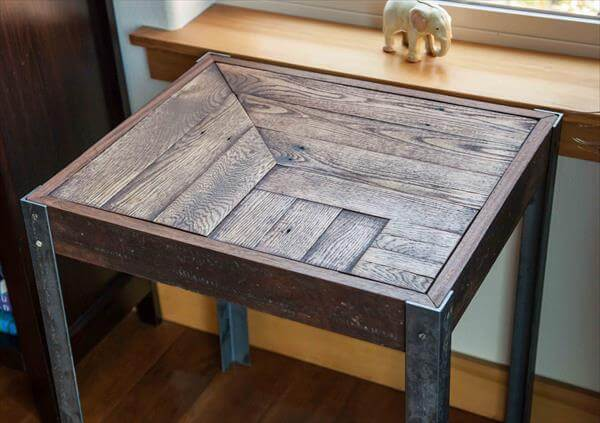 recycled pallet side table with steel legs