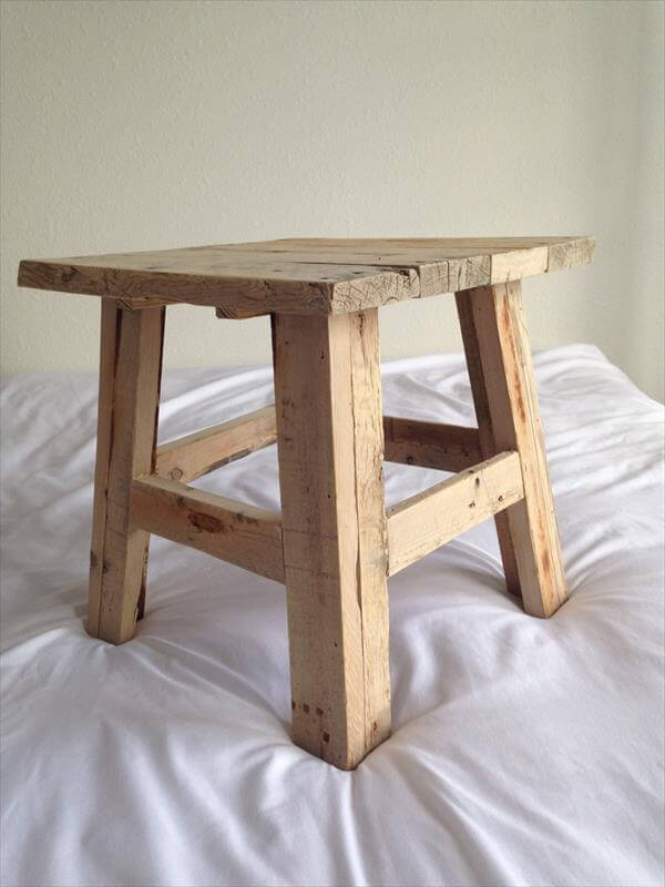 Reclaimed Pallet Wood Stool Pallet Furniture Diy