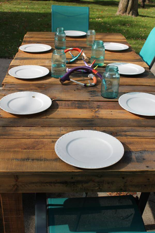 repurposed pallet wood dining table