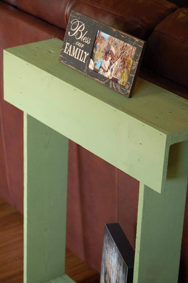 entry table out of pallet wood