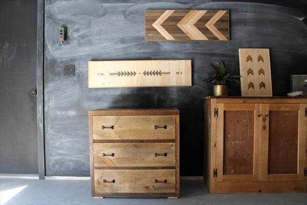 recycled pallet furniture and signs