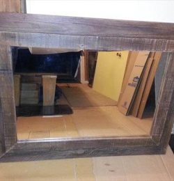 upcycled pallet mirror