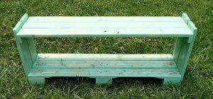 reclaimed pallet wood shelf