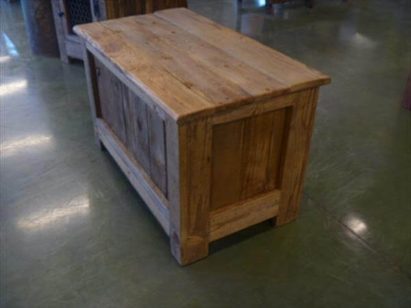 upcycled pallet chest