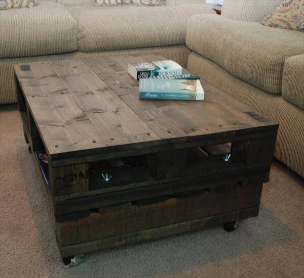 Superior Vintage Pallet Coffee Table With Casters