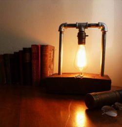 recycled pallet industrial Edison light lamp